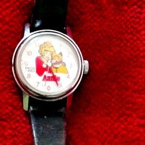 Annie watch excellent condition vintage